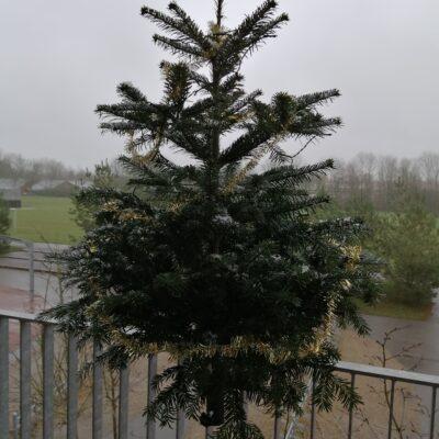 Weihnachtsbaumfüße und Verkaufsgesprächsausrüstung